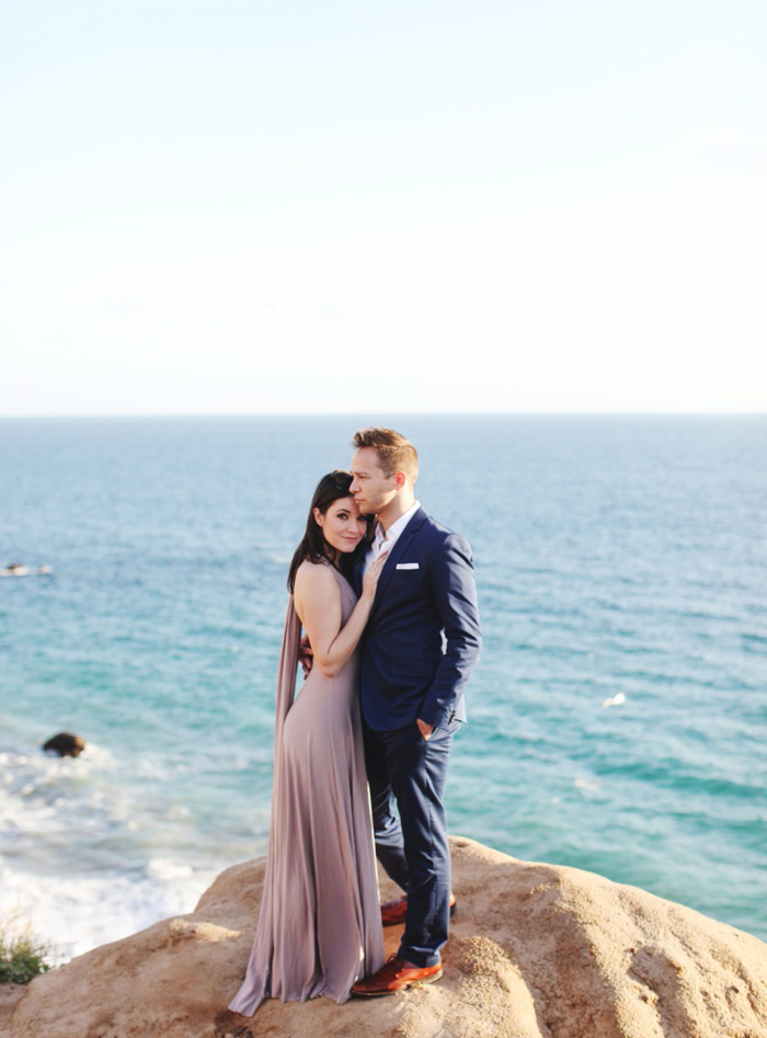 malibu southern california engagement photography oceanside cliff sunflower field