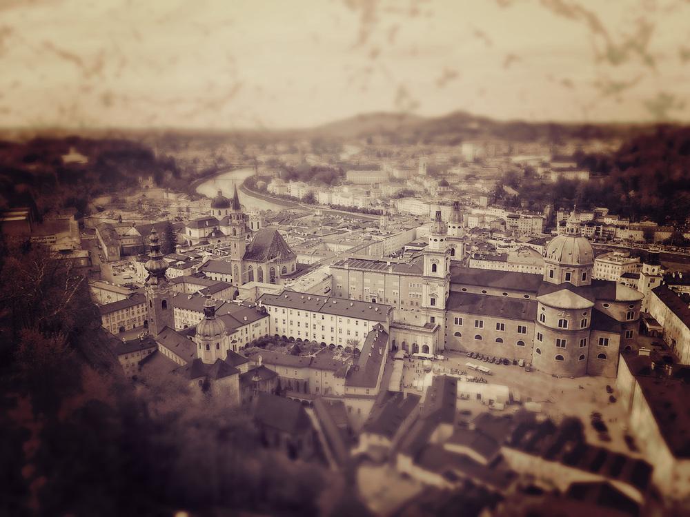 Ganz in der Tradition von Salzburg wird seit jeher Bedacht auf die Wünsche der Kunden, egal woher sie kommen, gelegt.