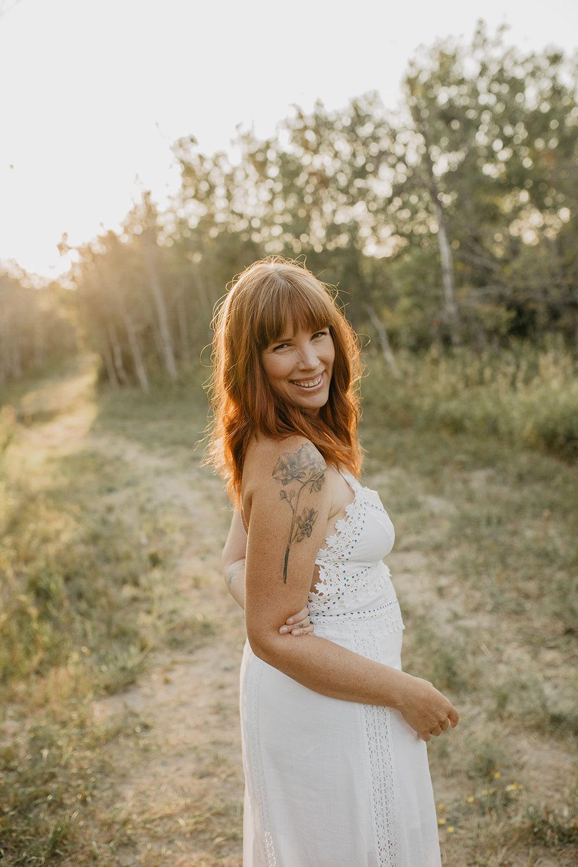 Robin Joy  Body Love Coach + Jade Egg Teacher  GIFT:  3 powerful practices to feel Unshakeable Body Love
