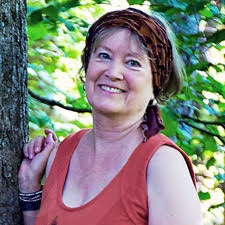 Barbara Hanneloré  Author, speaker, mentor  Gift:  Moon Cycle report