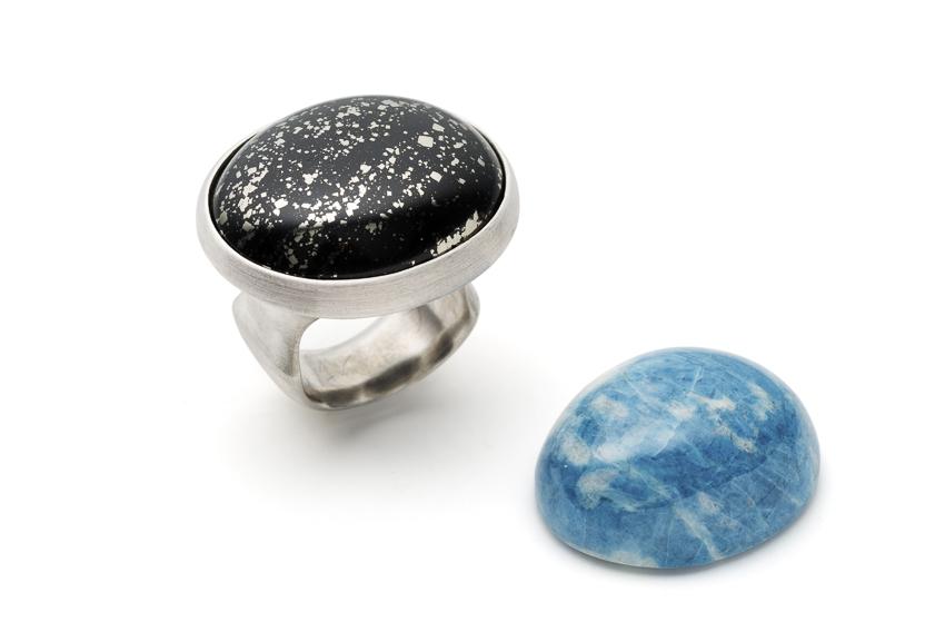 Ring in Silber mit Pyrit-Mergel und Lazurit