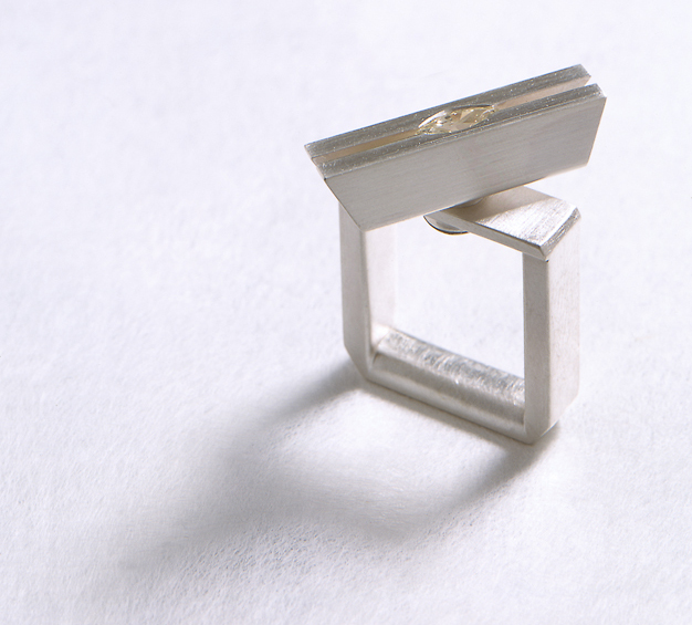 Ring in Silber mit Diamant-Navette
