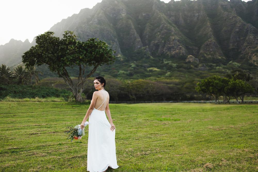 hawaiistyledbride1.jpg
