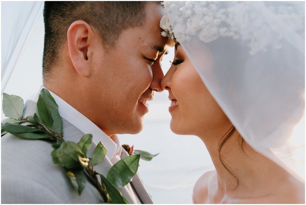 Honolulu Hawaii Wedding, Honolulu Hawaii Wedding Photographer, Cafe Julia Wedding in Hawaii, Hawaii Wedding Photographer, Hawaii Wedding Photos, Hawaii Elopement, Honolulu Photographer