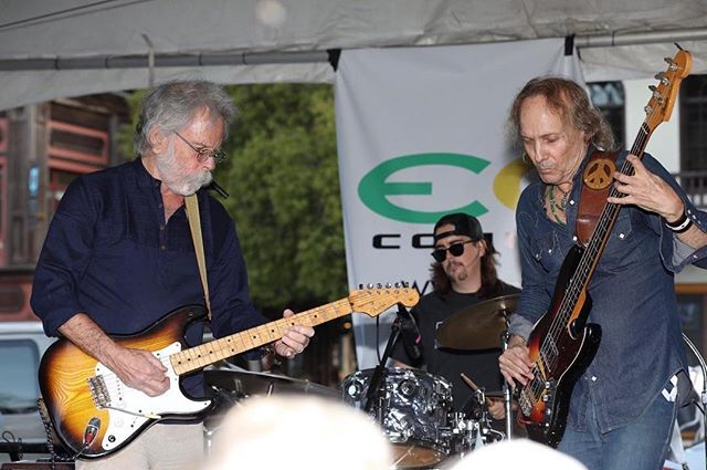 Our bassist extraordinaire Paul Ill sitting in with  the incomparable Bob Weir at the Mill Valley block party! @paulillmusic @bobweir #disreputablefew #gratefuldead #theotherone #mrzeus