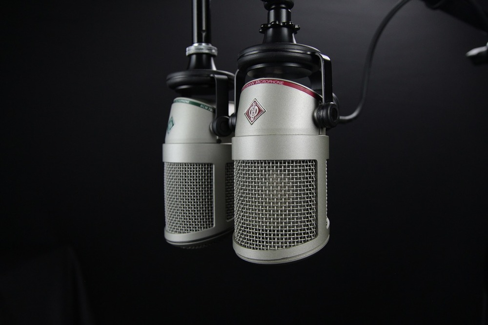 INTERNATIONAL RADIO