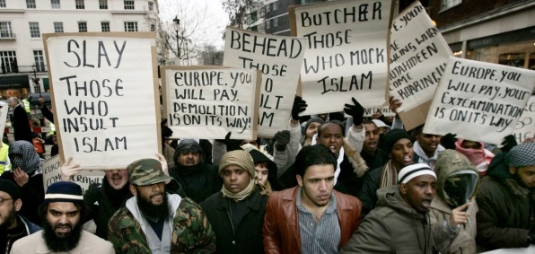 Muslims Demonstrating before Danish Embassy in London (2006)