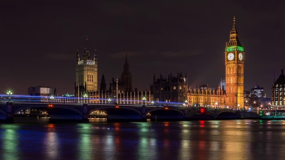 London Bridge, Big Ben & the Houses of Parliament.