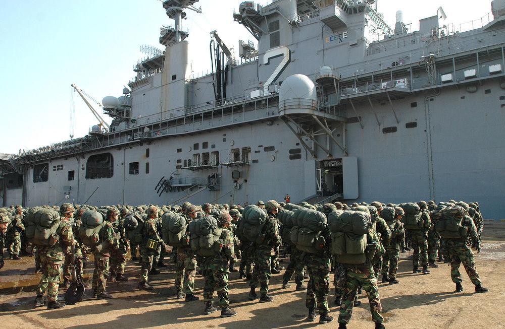 South Korean marines boarding US naval vessel USS Essex