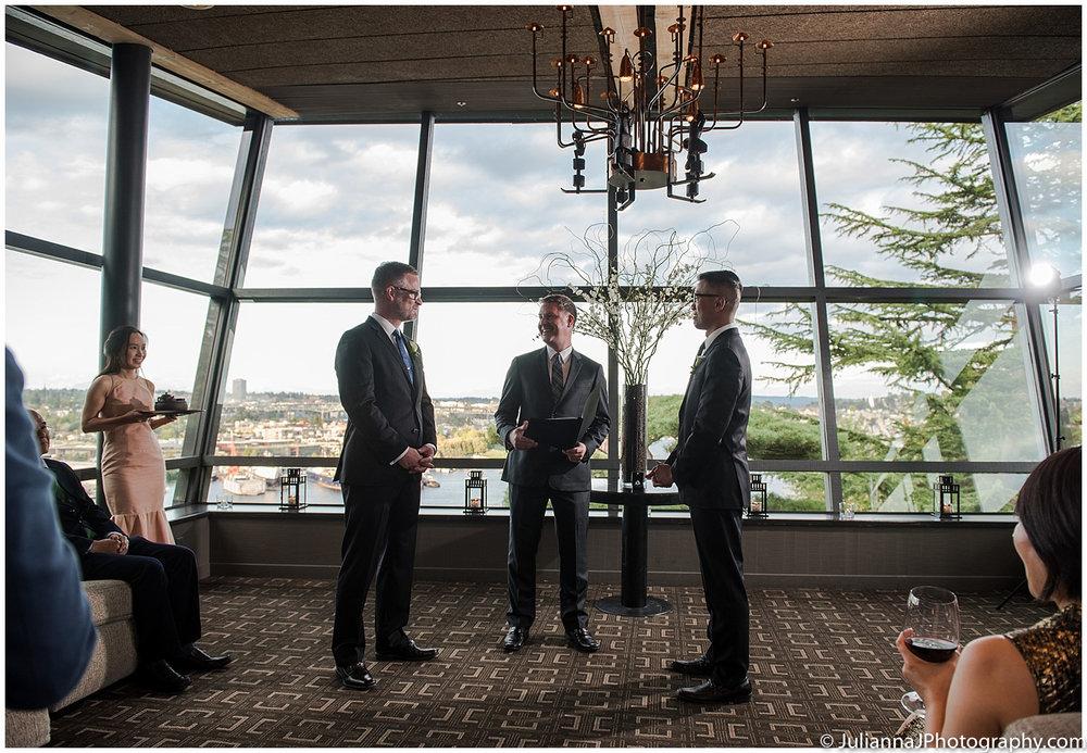 Parson_Garden_Canlis_Wedding_Seattle_Wedding_photographer_Juliannajphotography27.jpg