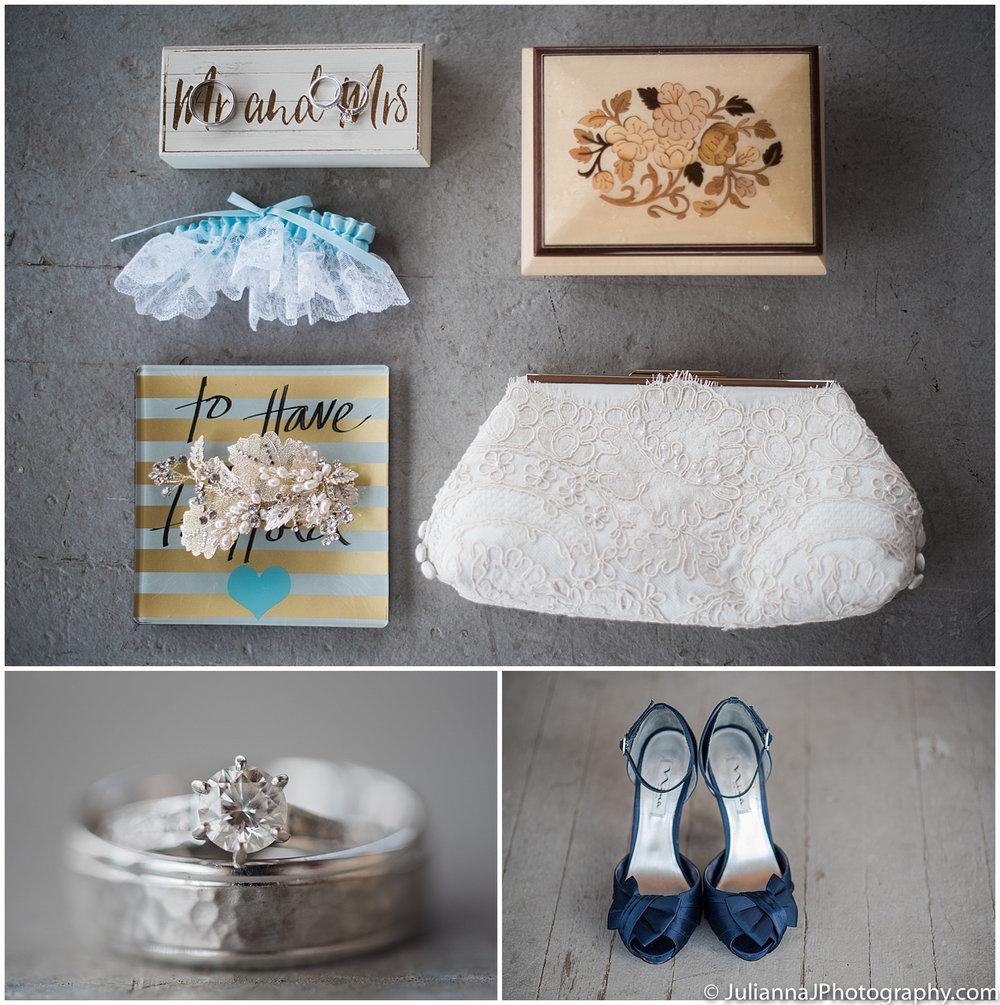 Saltys_on_Alki_wedding_photos003.jpg