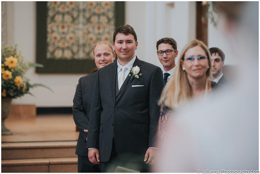 Saltys_on_Alki_wedding_photos036.jpg