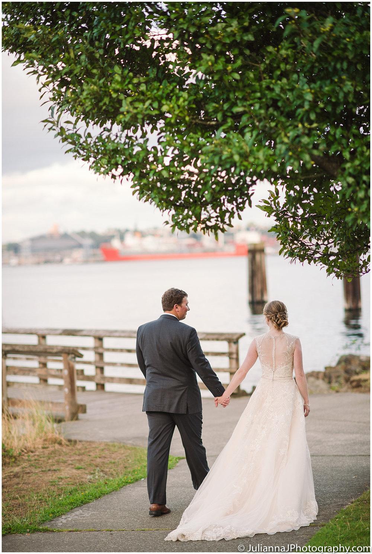Saltys_on_Alki_wedding_photos048.jpg