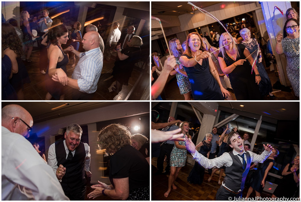 Saltys_on_Alki_wedding_photos060.jpg