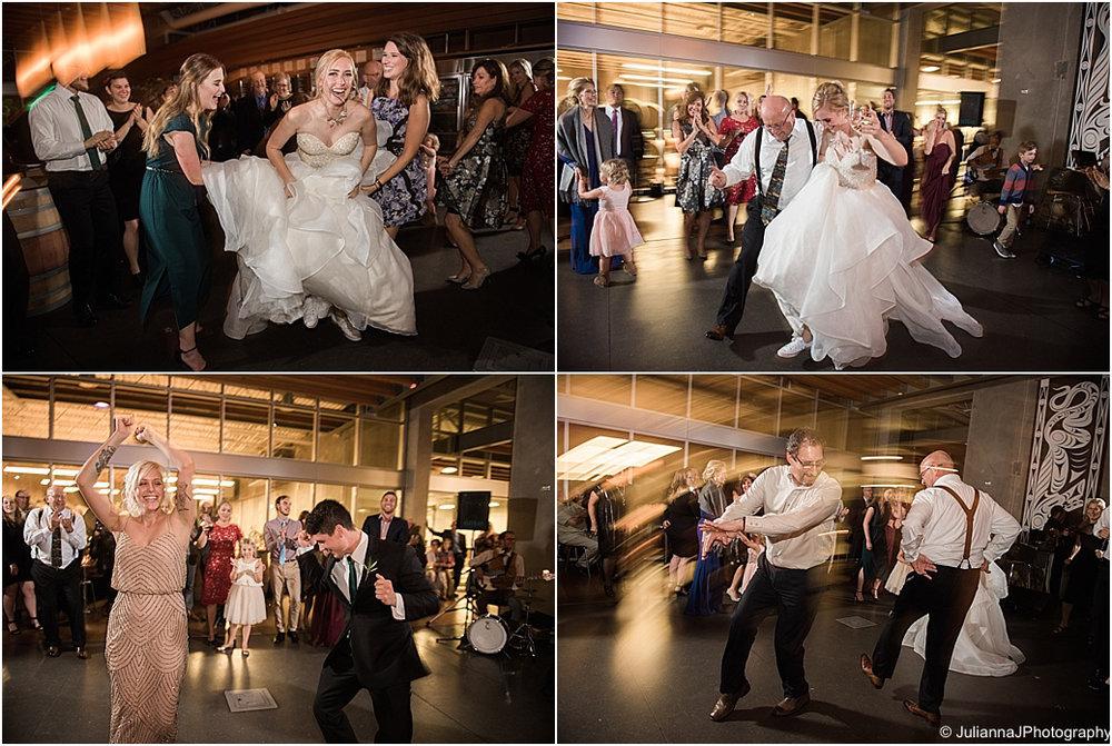 Novelty_Januik_Wedding047.jpg