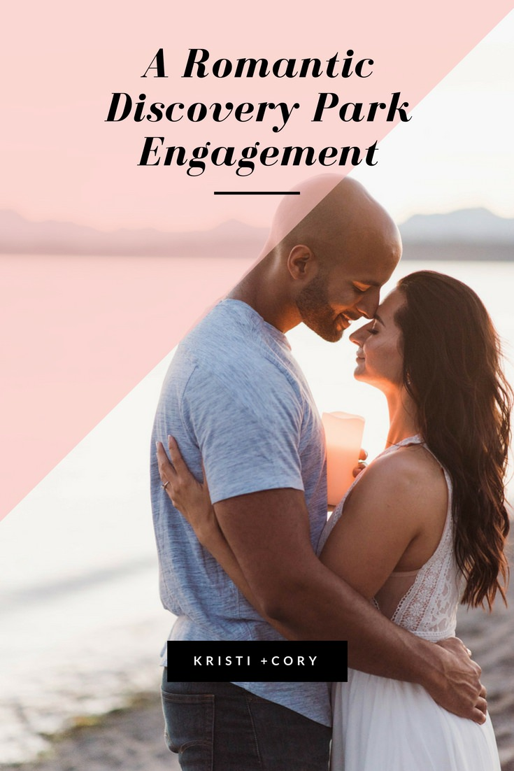 Romantic-Discovery-park-engagement-photos-seattle-beach-001.jpg