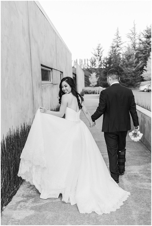 Novelty Hill Januik winery in Woodinville Wedding Photos | Julianna J Photography | juliannajphotography.com