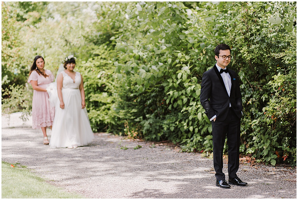 Should We do a FirstLook or Traditional Reveal? | Seattle Wedding Photographer | juliannajphotography.com
