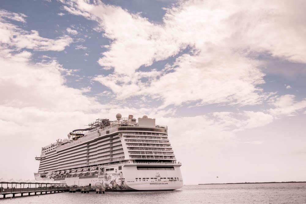 Norwegian_Escape_Cruise_Ship-011.jpg