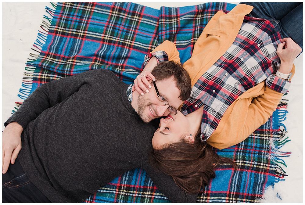 Snoqualmie_Pass_Snowy_Engagement_Photos_001.jpg