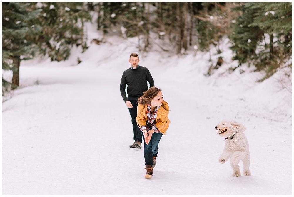 Snoqualmie_Pass_Snowy_Engagement_Photos_007.jpg