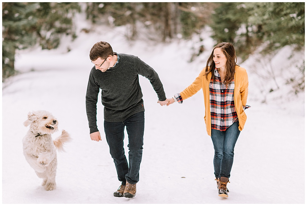 Snoqualmie_Pass_Snowy_Engagement_Photos_008.jpg