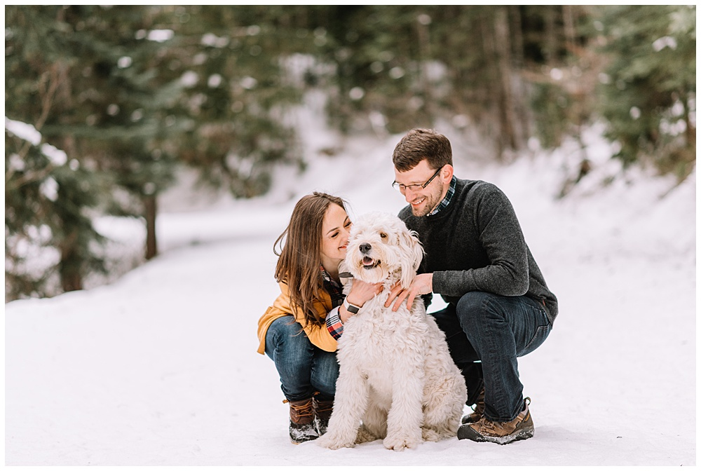 Snoqualmie_Pass_Snowy_Engagement_Photos_010.jpg