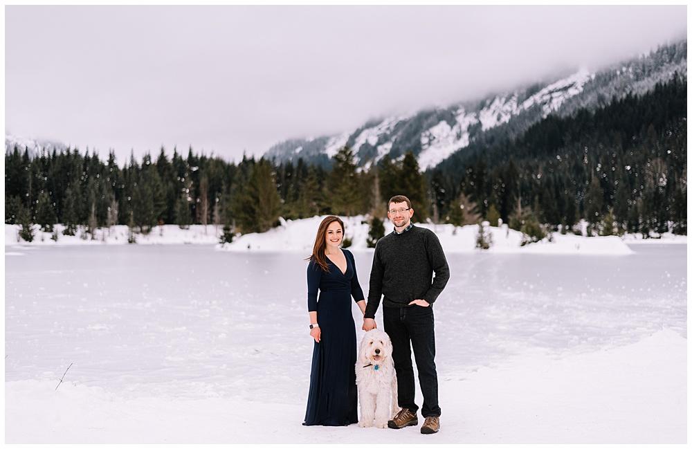 Snoqualmie_Pass_Snowy_Engagement_Photos_019.jpg