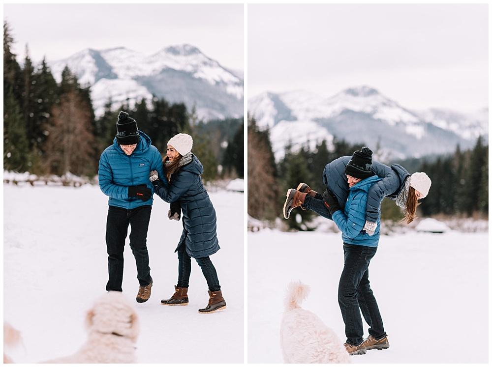 Snoqualmie_Pass_Snowy_Engagement_Photos_020.jpg