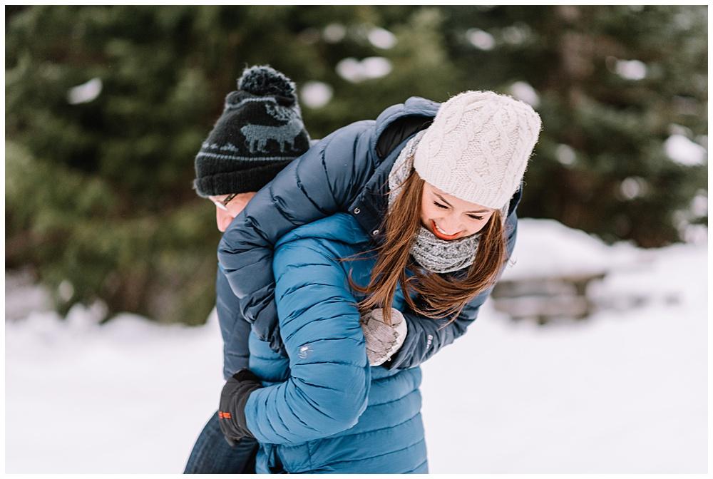 Snoqualmie_Pass_Snowy_Engagement_Photos_021.jpg