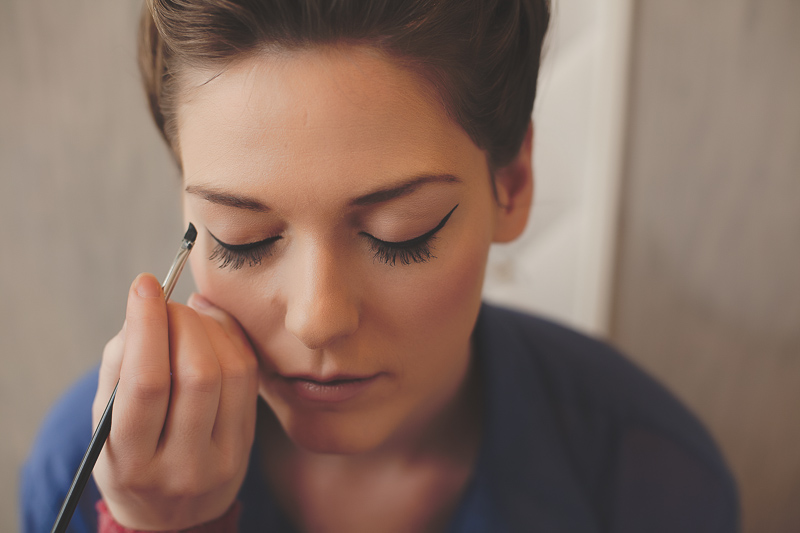 TUTORIAL • WINGED EYELINER →