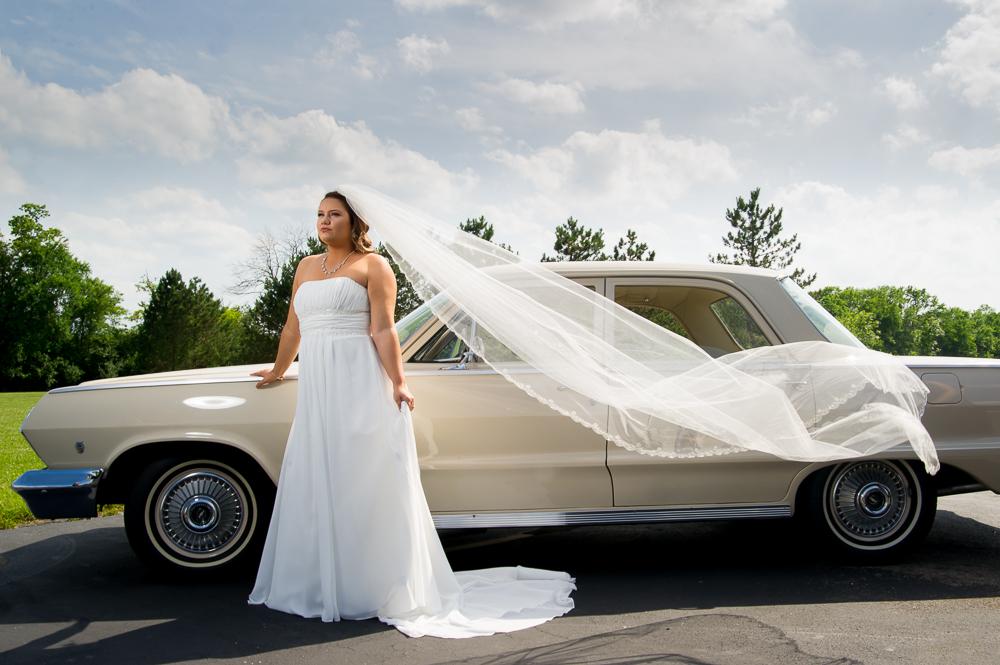 1-cincinnati-wedding-bride-car-veil-first-millville-baptist-church.jpg