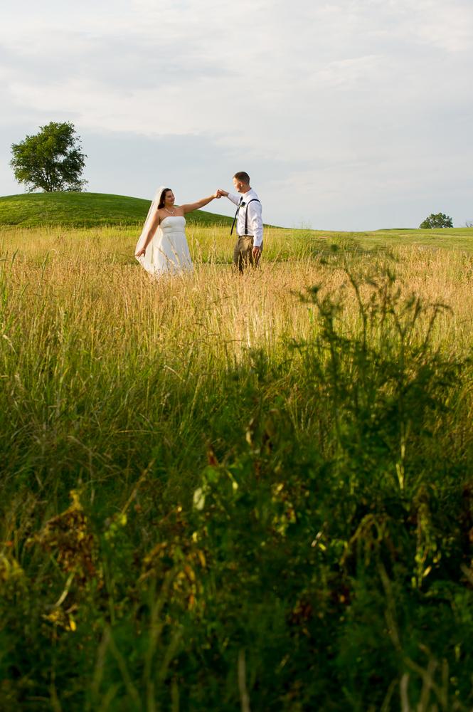 1-cincinnat-wedding-dancing-bride-groom-indian-ridge-golf-course.jpg