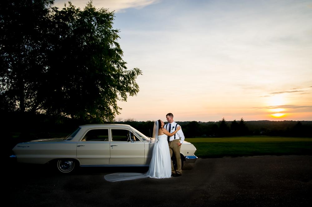 1-cincinnati-wedding-bride-groom-car-sunset-indian-ridge-golf-course.jpg