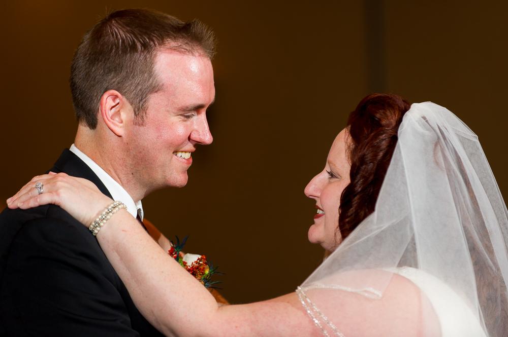 2-dayton-wedding-first-dance-smile-hilton-garden-inn.jpg