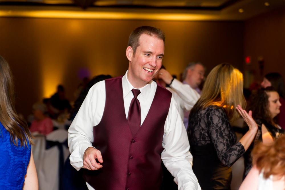 2-dayton-wedding-groom-dancing-hilton-garden-inn.jpg