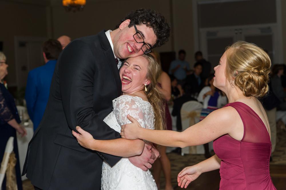 3-cincinnati-wedding-bride-groom-laughing-cooper-creek-event-center.jpg