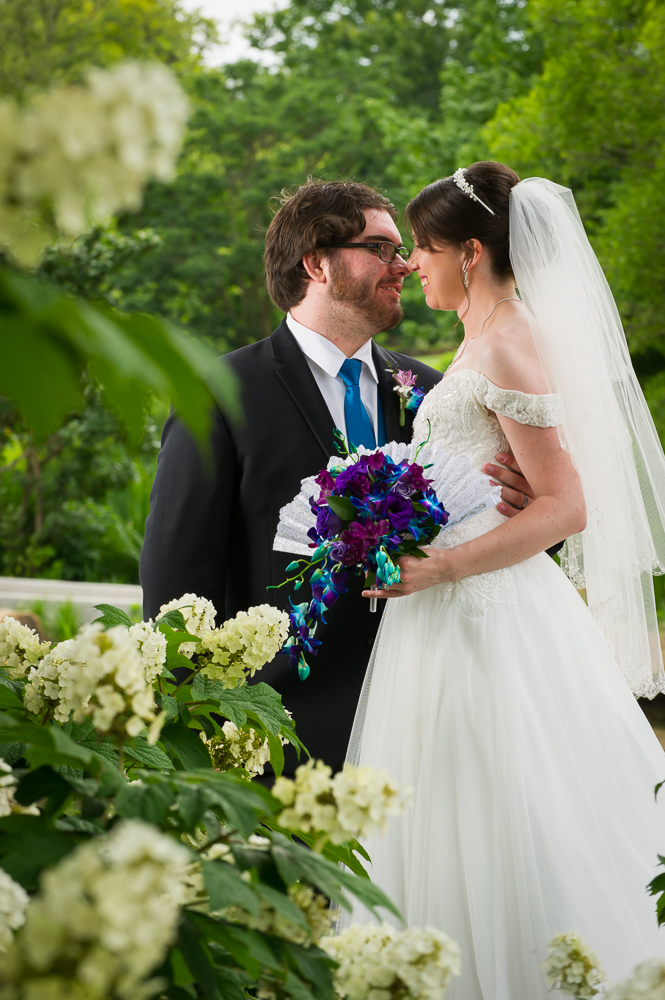 3-dayton-wedding-bride-groom-portrait-flowers-cox-arboretum.jpg