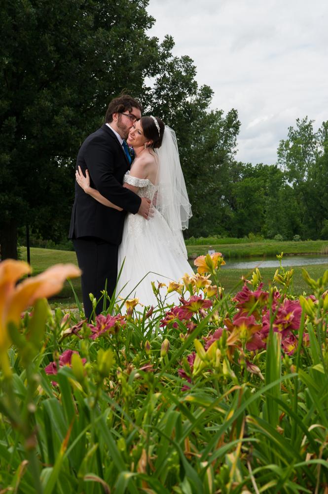 3-dayton-wedding-bride-groom-portrait-kiss-cox-arboretum.jpg