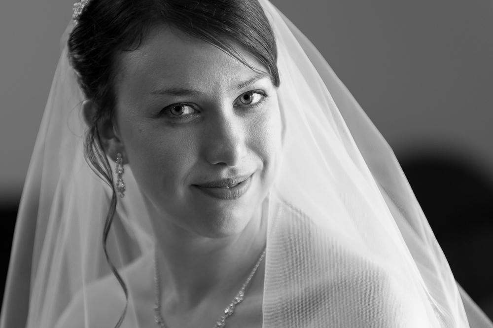 3-dayton-wedding-bride-portrait-st-henry-catholic-church.jpg