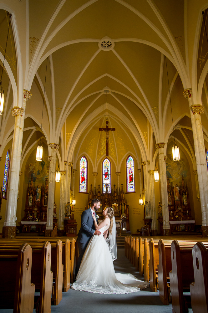 5-cincinnati-wedding-bride-groom-dip-holy-angels-catholic-church.jpg