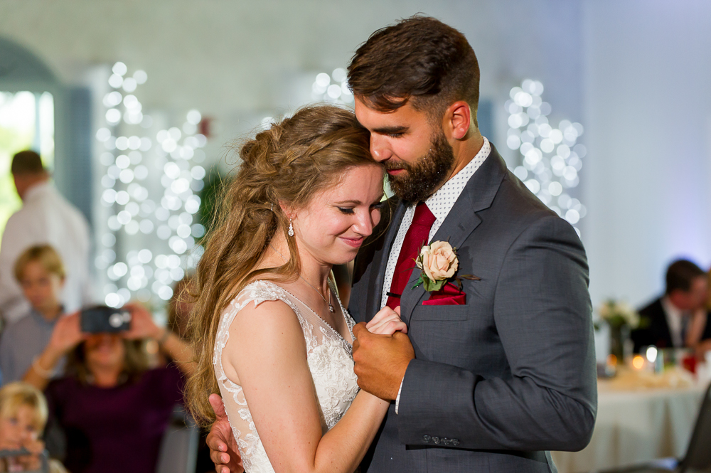 5-cincinnati-wedding-first-dance-shelby-oaks.jpg