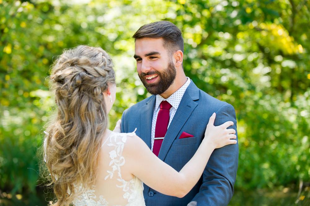 5-cincinnati-wedding-first-look-groom-bride-tawawa-park.jpg