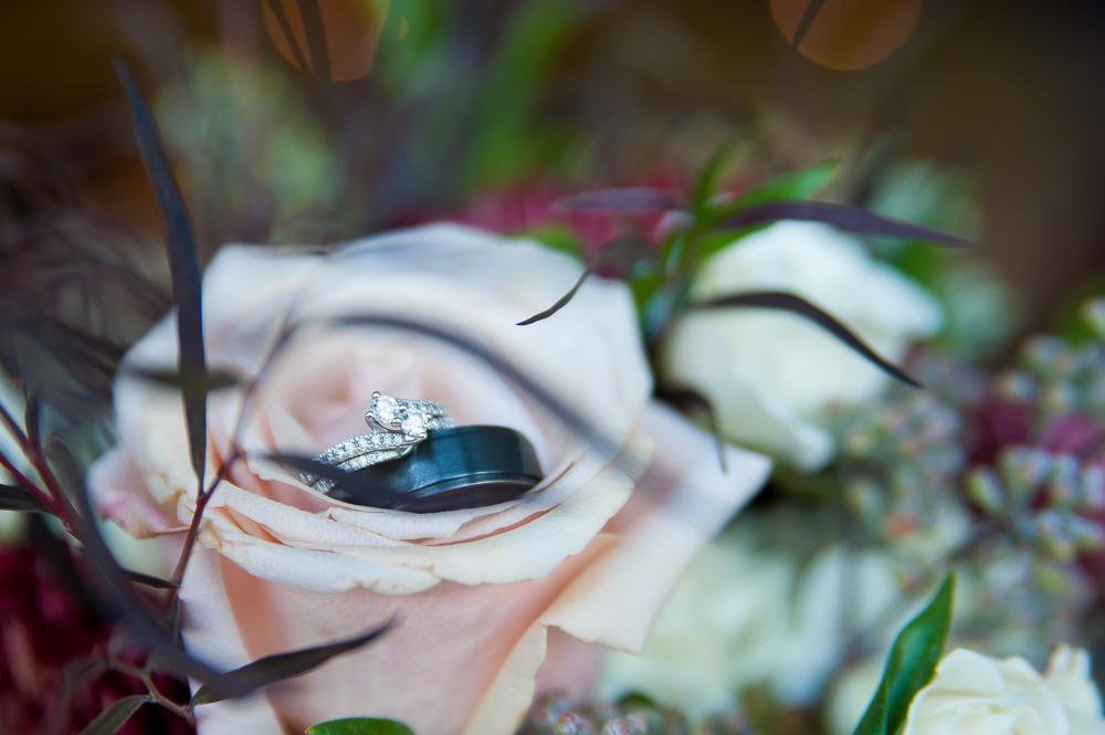 5-cincinnati-wedding-rings-detail-shelby-oaks.jpg