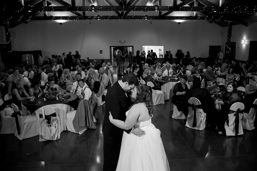 6-cincinnati-wedding-ymca-camp-kern-first-dance-wide-angle.jpg