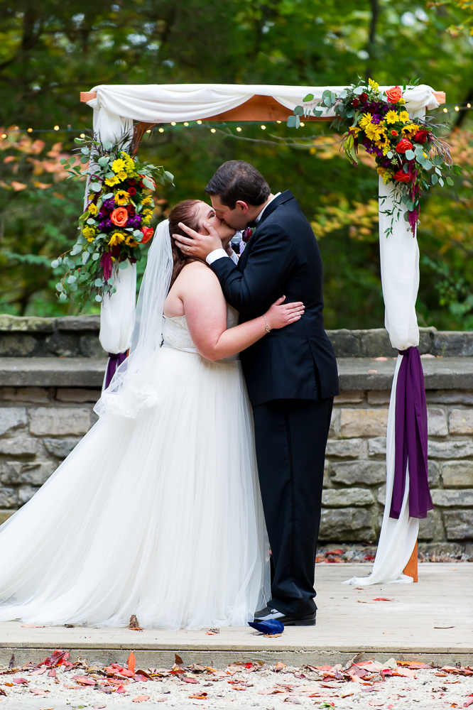 6-cincinnati-wedding-ymca-camp-kern-first-kiss-ceremony.jpg