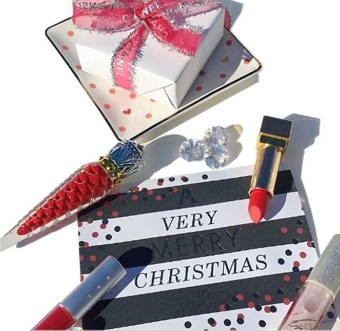 Merry Christmas Holiday Makeup .JPG