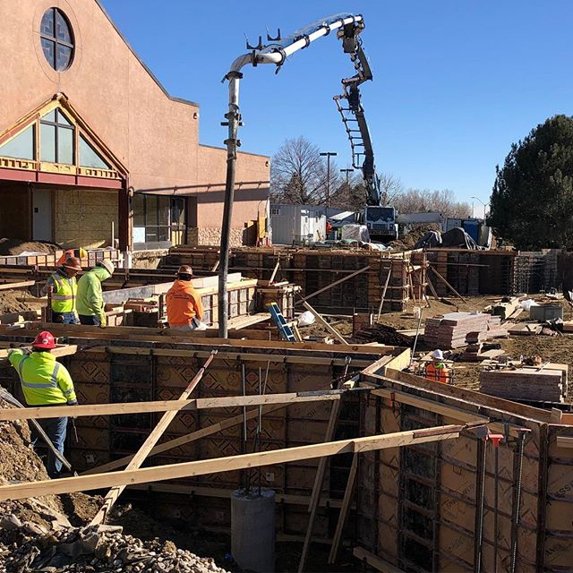 Let's pour some foundation walls! Work is moving right along in Fort Collins at St. Elizabeth! #catholichurch #construction #fortcollinscolorado #builder #🇺🇸 #concrete #architecture