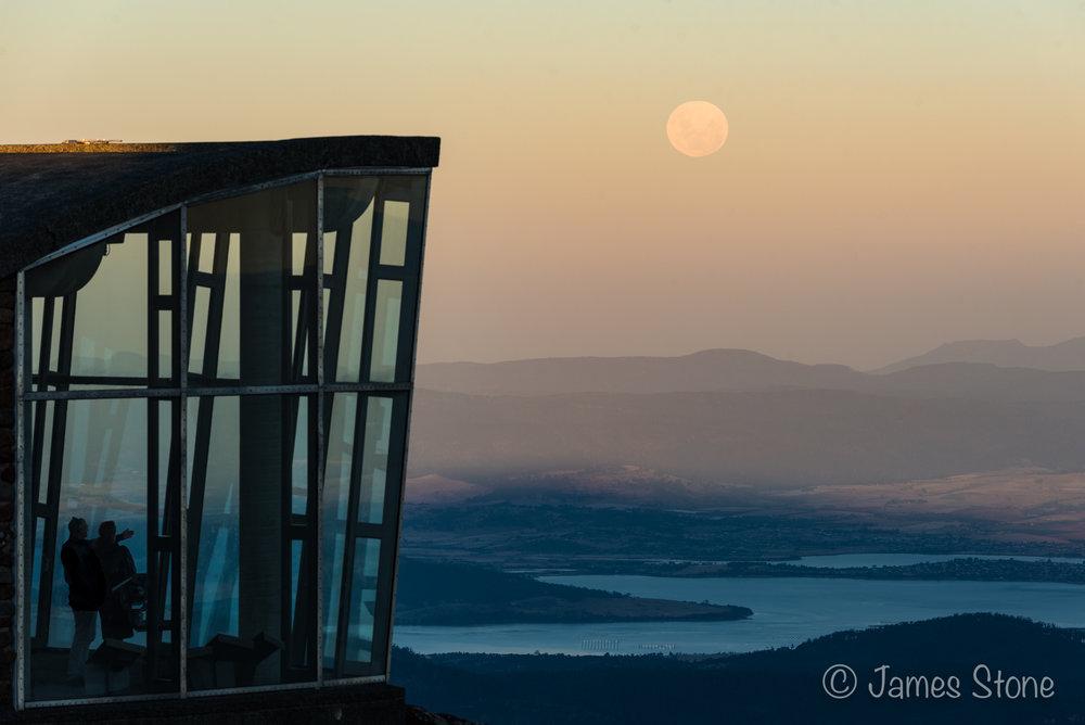 kunanyi Moonrise