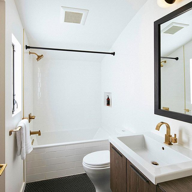 #beforeandafter of the guest bathroom at #surfview. Fun fact - the sink used to be in the bedroom. #remodel #renovation #santabarbara #california #forsale #sunsetmag #sb2design #dwell #bathroomdesign @bathrooms_of_insta #realestate #sothebysrealty @tmearce 📷 @erinfeinblatt